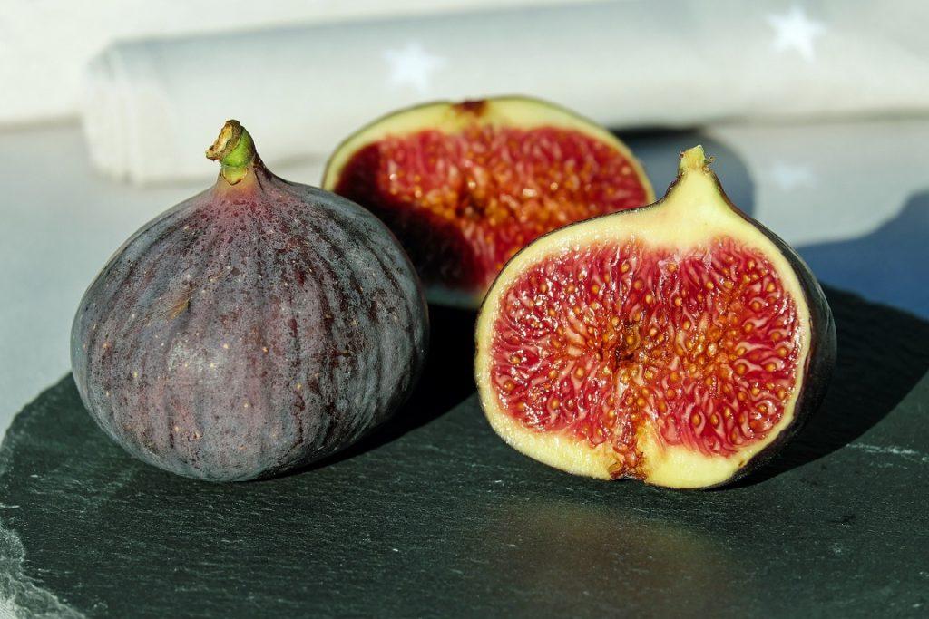 figue-figuier-fruit-balcon-été-méditerranée-manger