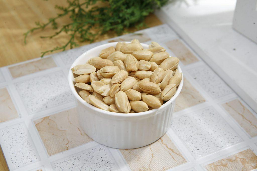 cacahuète-jardiner-balcon-été-arachide-apéro